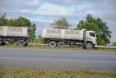 truck της οδικής Ισπανίας των Πυρηναίων βουνών Στοκ Φωτογραφίες