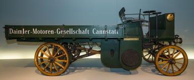 A truck Daimler Motor-Lastwagen, 1898 Stock Images