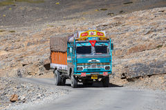 Truck on the high altitude Manali - Leh road state of Himachal Pradesh, Indian Himalayas, India Stock Photos