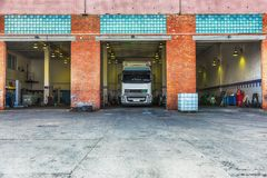 Truck or lorry repair shop service Royalty Free Stock Photos
