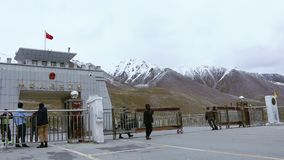 Truck Passing Through Pakistan China Border, At Khunjerab Pass, Army Opening The Border Gate, Pakistan