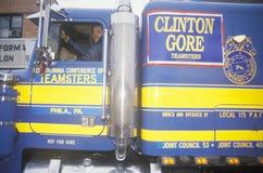 Truckchauffeurs voor Clinton/Gore stock foto