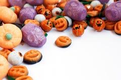 Truco o invitación - caramelo de Halloween fotos de archivo