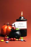 Truco o invitación - vertical del feliz Halloween Foto de archivo