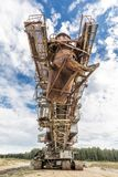 trudno sprzętu Wielo- wiadro ekskawator, gigantyczny stertnik, absetzer w karierze Fotografia Stock