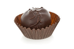 Trufa de chocolate do gourmet isolada no backgr branco Fotografia de Stock