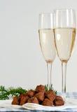Trufas de chocolate e champanhe Imagem de Stock Royalty Free