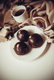 Trufas de chocolate oscuras imagen de archivo