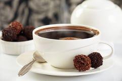 Trufas del café y de chocolate imagenes de archivo