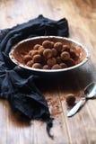 Trufas esmaltadas chocolate del vegano Foto de archivo