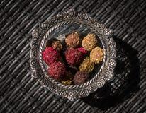 Truffels doces em uma bacia Fotos de Stock Royalty Free