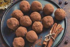Truffes de chocolat foncées Photos stock