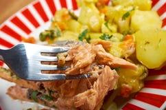Truite cuite au four avec des pommes de terre Photo stock