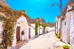 Trulli Alberobello typowi domy Apulia, Włochy Obraz Stock