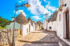 Trulli de casas típicas de Alberobello Apulia, Italy Imagem de Stock