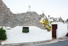 Trulli, die typischen alten Häuser in Alberobello Stockfotografie