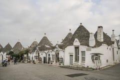 Trulli domy w Alberobello miasteczku w Apulia, Włochy Zdjęcie Royalty Free