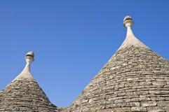 trulli för tak för alberobelloapulia konisk Arkivbild
