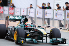 Trulli hinunter das gerade in einem Lack-Läufer der Demo F1 Lizenzfreies Stockbild