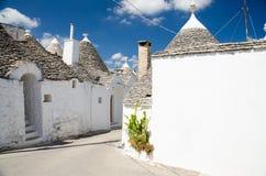 Trulli hus i den Alberobello stadbyn, Puglia, sydliga Ital arkivfoton