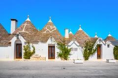 Trulli van de typische huizen van Alberobello Apulia, Italië stock foto