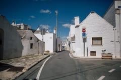 Trullo trulli城市街道在意大利 免版税图库摄影