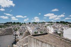 Trullo trulli老wtite城市在意大利 库存照片
