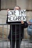 Trumfperson som protesteraryttersidan samlar i Saint Louis Arkivfoto