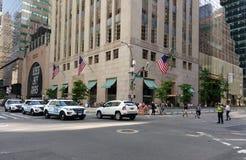 Trumftornsäkerhet, NYPD-eskortfartyg, New York City, NYC, NY, USA Arkivfoto