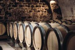 Trummor i en vinkällare Royaltyfri Bild