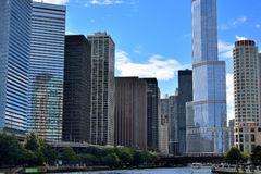 Trump International Hotel and city buildings along the Chicago river Stock Photography