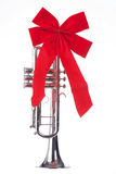 trumpet смычка изолированный рождеством Стоковое Фото