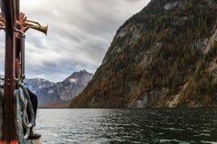 Trumpetare på ett fartyg i Berchtesgaden Royaltyfri Foto