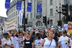Trumpf-Demonstrationszug London, am 13. Juli 2018: Antidonald-Trumpfplakate Stockbild