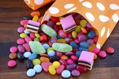 Truque do partido de Dia das Bruxas de doces do deleite Imagens de Stock Royalty Free