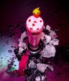 Truskawka pije owoc sok z lodem Fotografia Royalty Free