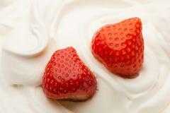 Truskawka w jogurcie Zdjęcie Royalty Free