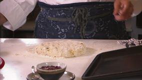 Truskawki rozszerzanie się i rodzynka chleb zdjęcie wideo