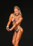 Truskawkowa blondynka Napina Jej Potężną budowę ciała Zdjęcie Stock