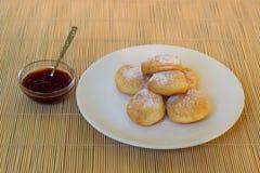 Truskawkowego dżemu donuts Obraz Royalty Free