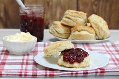 Truskawkowy dżem i ciastka Fotografia Stock