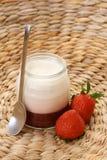 truskawkowy jogurt Fotografia Stock