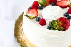 Truskawkowy waniliowy owoc tort Obrazy Royalty Free