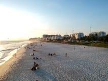 Truteń fotografia Barra da Tijuca plaża podczas zmierzchu, Rio De Janeiro, Brazylia Fotografia Stock