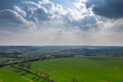 Truteń fotografia zielony jezioro krajobraz w wiośnie zdjęcie stock