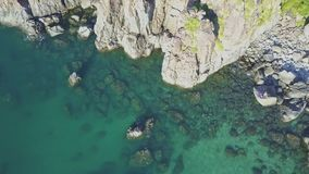 Truteń Lata nad dziewczyną Sunbathing przeciw morze krajobrazowi zbiory
