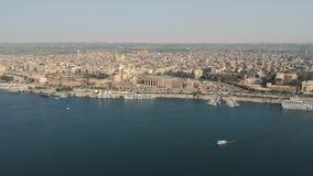 Trutnia materiał filmowy świątynia Luxor w Egipt i miasto rzeczna Nil, Luxor, zdjęcie wideo