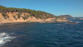 Trutnia materiał filmowy nad Costa Brava nabrzeżny blisko miasteczka Palamos Hiszpania zbiory