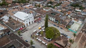 Trutnia widok El Retiro centrali park blisko Medellin, Kolumbia zdjęcia stock