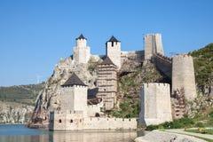 Trvdjava de Golubacka de forteresse de Golubac, ou diplômé de Goluback pris pendant un après-midi ensoleillé Photo libre de droits